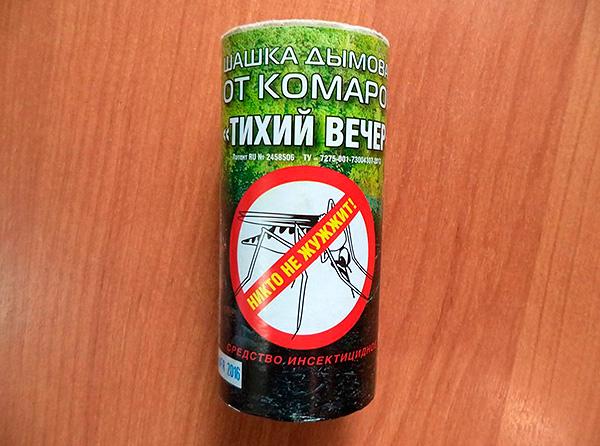 Bomba de humo perimétrica de insectos Silent Evening - aunque está posicionada como repelente de mosquitos, también es bastante efectiva contra las cucarachas.