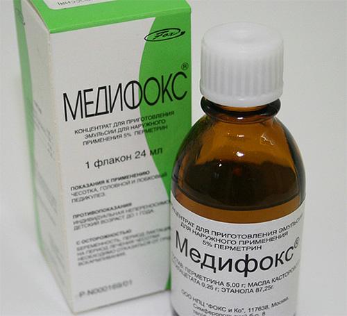 Medifox tiene un fuerte insecticida en la composición y no debe utilizarse para eliminar los piojos en los niños.