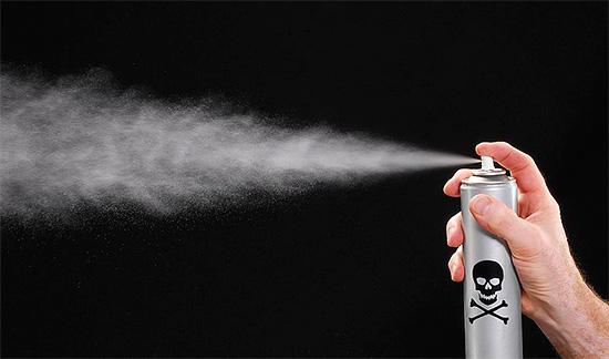 Una característica especial de los agentes en aerosol es la alta tasa de exterminio de insectos, por lo que pueden tratarse directamente con el nido de avispas.