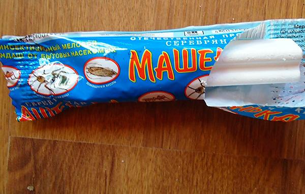 Lápiz insecticida Masha es bastante eficaz contra las chinches.